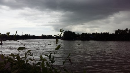 Black clouds, Trees MaeKlong river